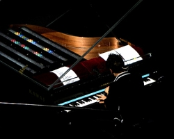Muse_light_Tape_Piano_3