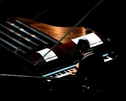 Muse_light_Tape_Piano_3